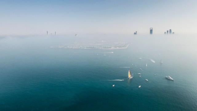 Der neblige Kurs vor Abu Dhabi. © Ainhoa Sanchez/Volvo Ocean Race