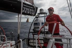 Mapfre hat Abu Dhabi im Nacken. © Francisco Vignale/MAPFRE/Volvo Ocean Race