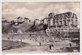 Schon 1957 war die Jahrhundert-Springtide, hier in Granville, ein Foto wert © tourisme bretagne