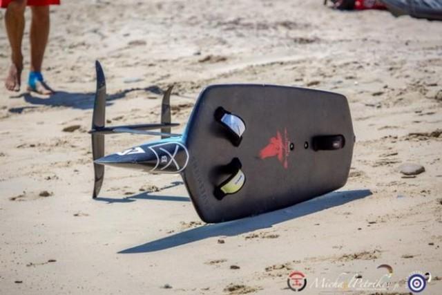 Moth Kitefoil