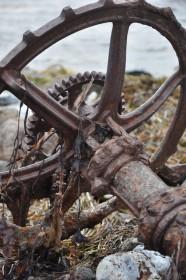 Alte Geräte am Strand von Birkholm © Maike Christiansen