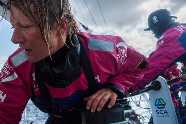 Und die Frisur sitzt bei Abby Ehler.© Anna-Lena Elled / Team SCA / Volvo Ocean Race