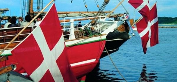 Die dänische Flagge steht wie keine andere für Glück. © dk-info