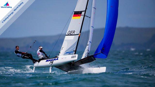 Alica Stuhlemmer und Tom Heinrich erreichten im Nacra 15 einen Tagessieg. © Sailing Energy / World Sailing