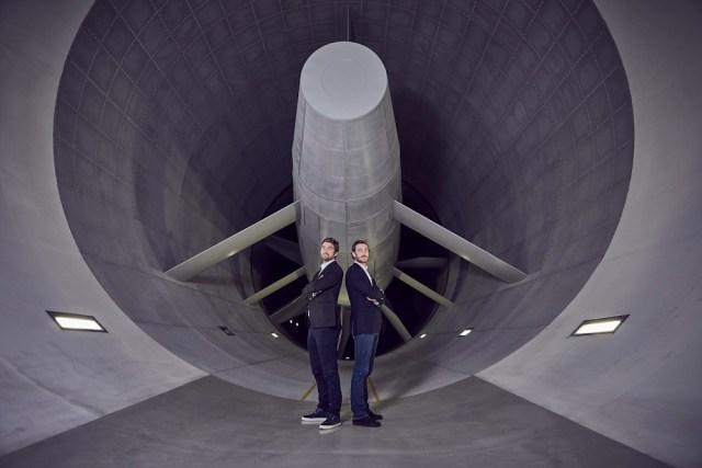 Pierre Casiraghi re + Boris Herrmann im BMW-Windtunnel