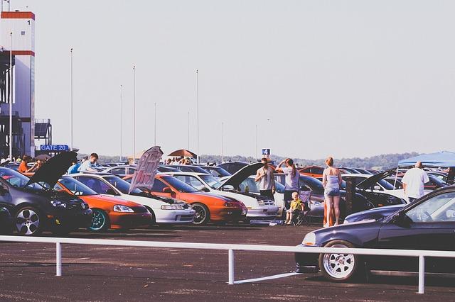 cars-691497_640