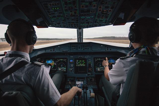 cockpit-2576889_640
