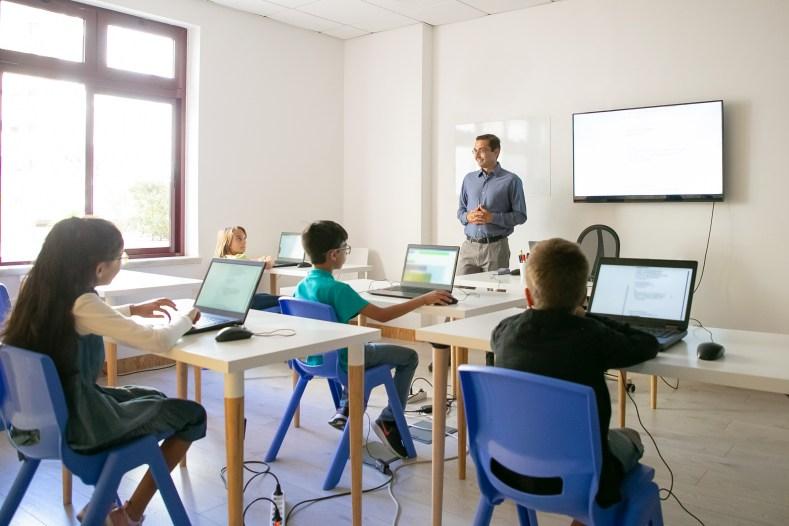 australia crianças educadas sobre segurança cibernética