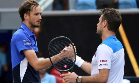 Медведев проиграл Вавринке в четвертом круге Australian Open