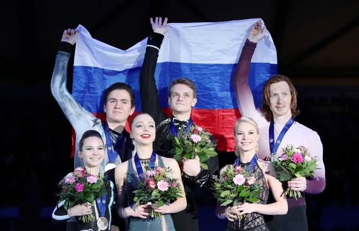 Фигуристы из России заняли весь пьедестал в соревновании спортивных пар на ЧЕ