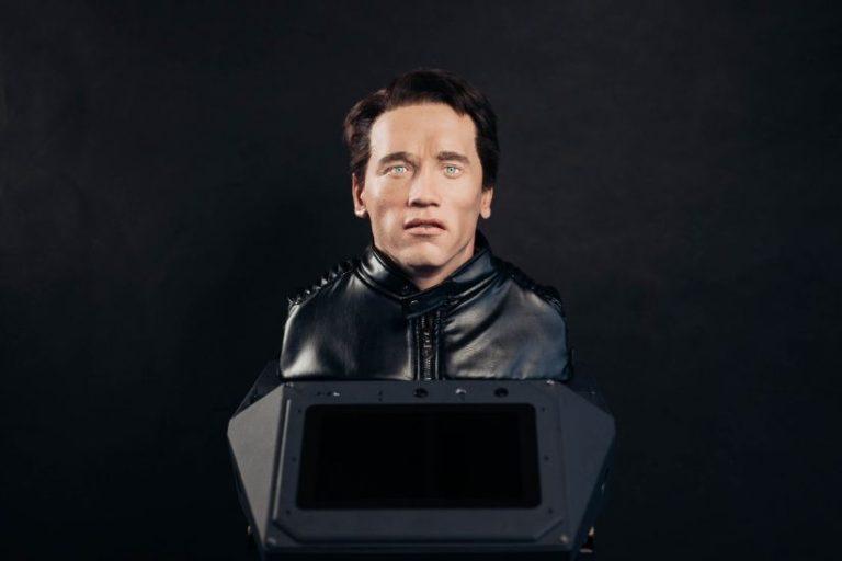 Арнольд Шварценеггер подаст в суд на российского производителя роботов