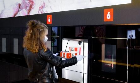 KFC откроет в России первый бесконтактный ресторан с роботами