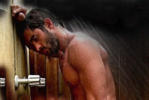 image imbarazzo sotto la doccia - image-imbarazzo-sotto-la-doccia