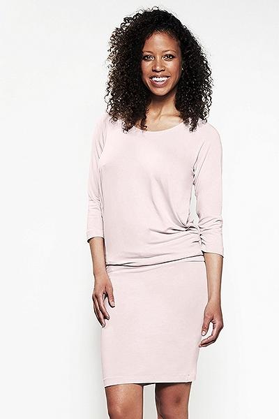 1. Różowa sukienka ciążowa i do karmienia Cool Mama