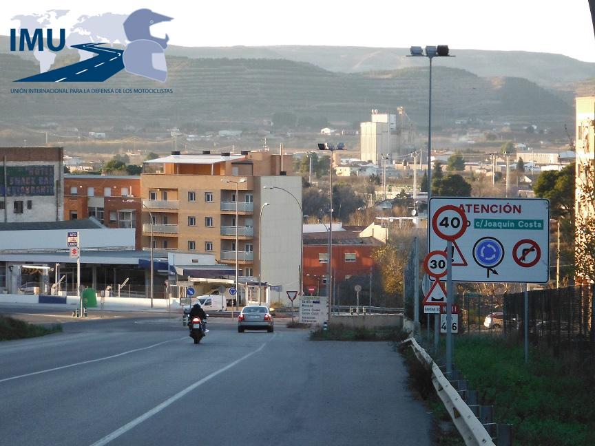 DENUNCIAMOS… señalización ilegal en Fraga