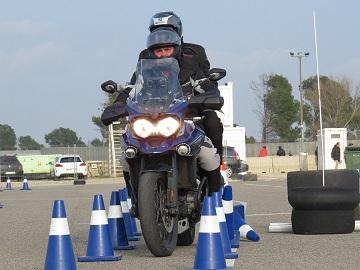 Curso especial perfeccionamiento conducción motocicletas