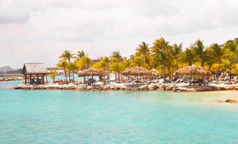 seguro viagem Curaçao praia
