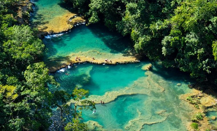 seguro viagem Guatemala piscinas
