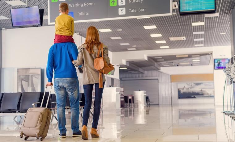 criança precisa fazer seguro de viagem aeroporto