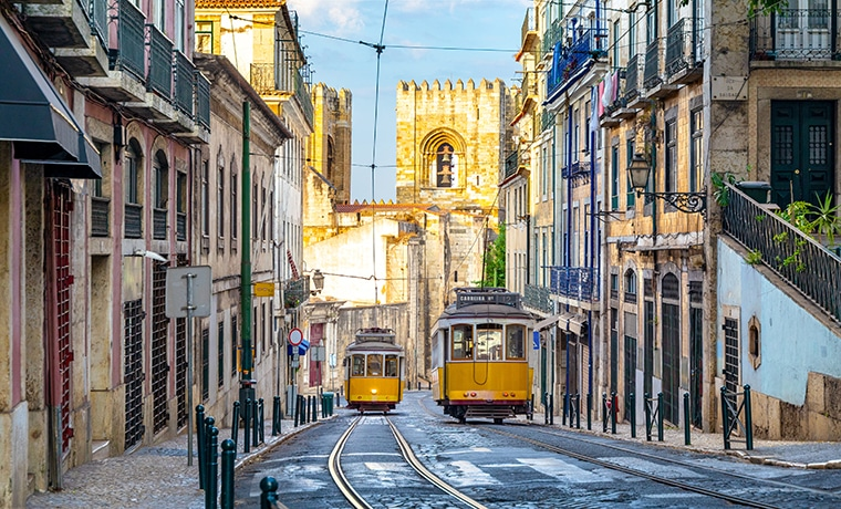 Elétrico seguro viagem Portugal