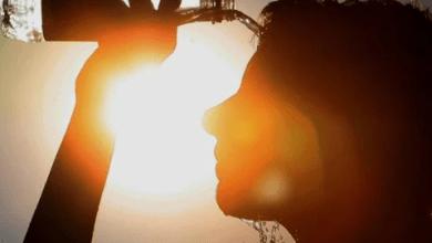 Photo of هاني الناظر يكشف الوقت الصحي والضار للتعرض للشمس