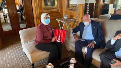 Photo of وزيرة الصحة تلتقي رئيس الوزراء الإيطالي وحفيد مؤسس المستشفى الإيطالي بمصر