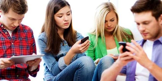Penelitian : Medsos Berdampak Buruk Pada Mental Remaja