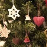 クリスマスのオーナメントを毛糸で編んでみた!星と雪の結晶とベルともみの木♡