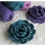クリスマスプレゼントにおすすめ♡毛糸で編むお花のアクセサリーは少しの毛糸と短時間で完成