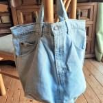 ジーンズの短パンからトートバッグを作ってテニスボール入れに♪お買い物バッグにもOK