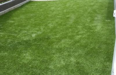 人工芝のお庭