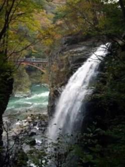 竜王峡・虹見の滝