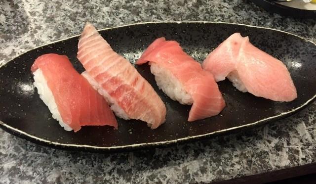 回転寿しで回ってる寿司は食べない!