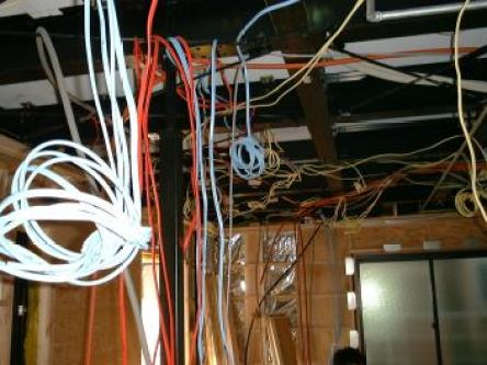 テレビケーブル
