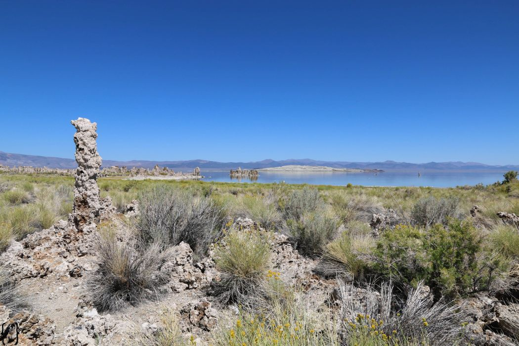2 Mono Lake near Yosemite