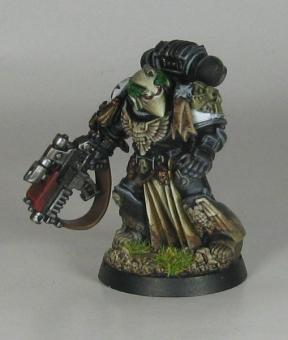 Boltgun Marine 2 (grenade in hand)