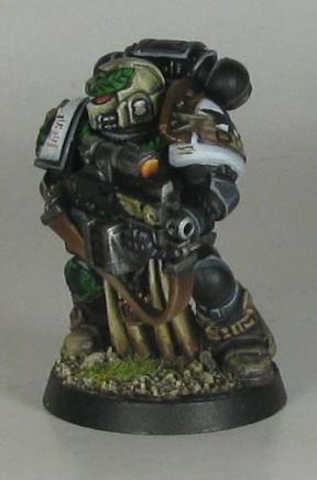 Boltgun Marine 3.4 (boltgun in two hands)