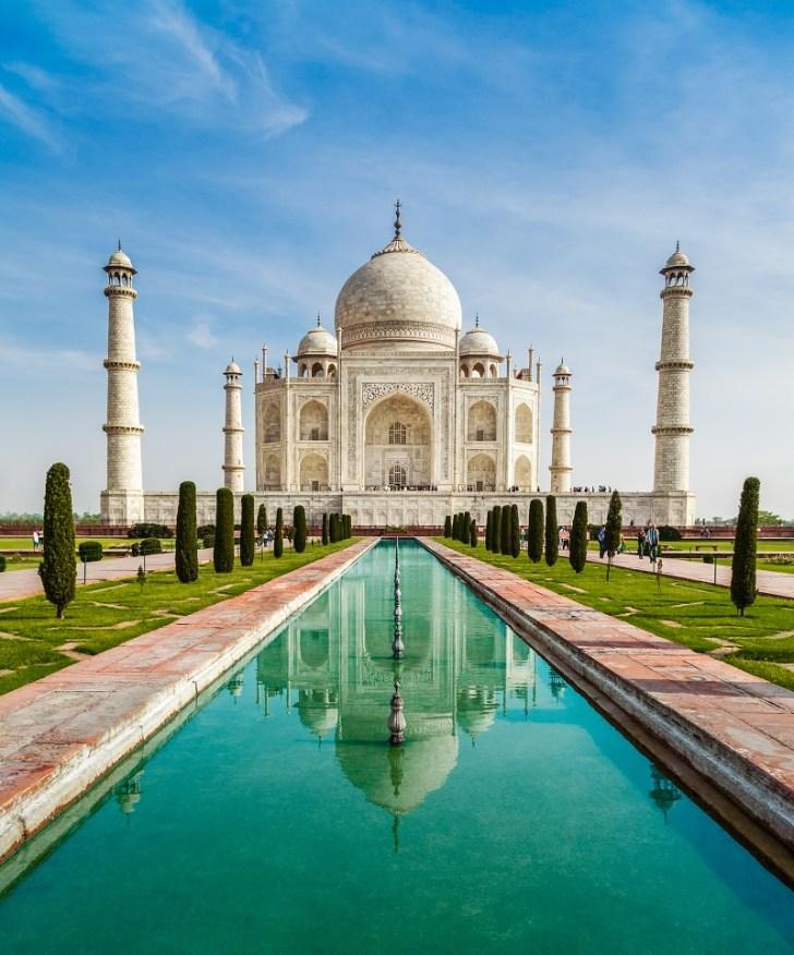 白大理石でできた世界一豪華なお墓タージマハール