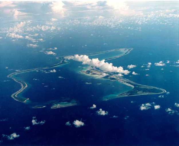 pulau diego garcia terletak ditegah tengah samudera hindia