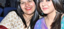 Hansika Motwani With Mother