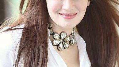 Kainaat Arora Family Mother Father Name Pictures Upcoming Movies