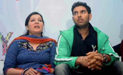 Yuvraj Singh Family Members Name 2016 Brother Father Mother Girlfriend 02