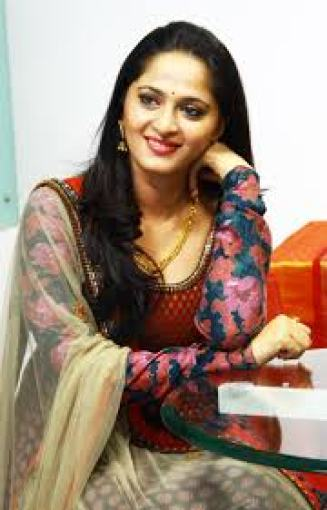 Anushka Shetty Family Members Photos, Husband Name, Father Mother