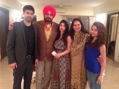 Navjot Singh Sidhu Family Pics Wife, Daughter