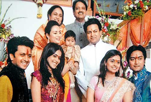 Riteish Deshmukh Family Photo Wife, Kids, Biography