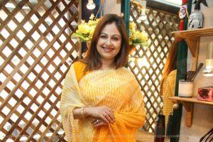 Ayesha Jhulka Family Pics, Father, Husband Name, Biography