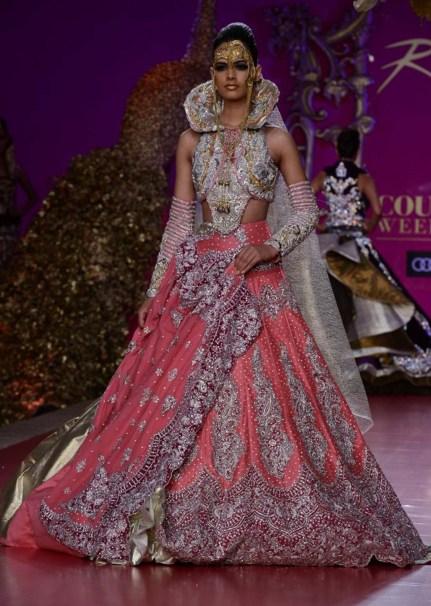 Fashion Designer Ritu Beri Biography, Design Collection, Husband, Cultural dress