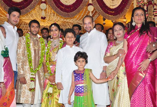 Mahesh Babu Family Images, Father And Mother, Wife Name, Biography