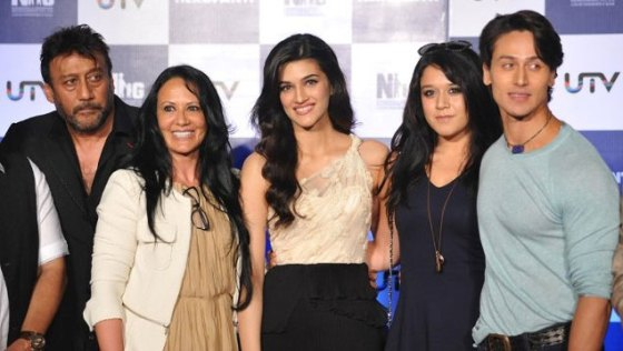 Tiger Shroff Family Photo, Mother, Age, Real Name, Biography