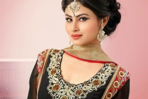 Mouni Roy Family, Husband, Father And Mother Name, Age, Biography